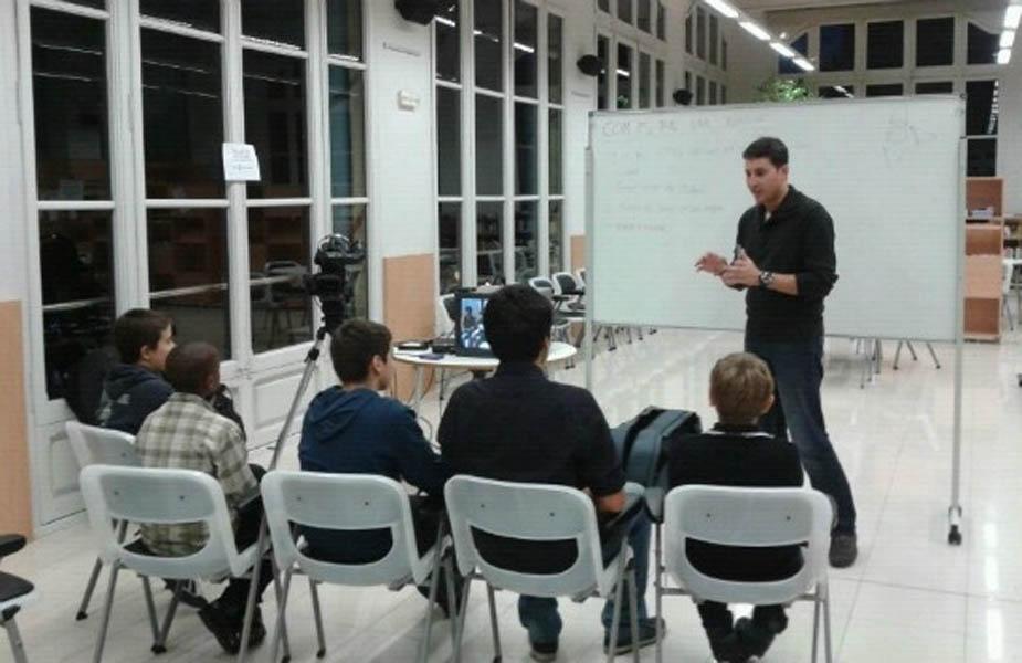 CLASSES DE COMUNICACIÓ I PERIODISME (OCTUBRE 2014)